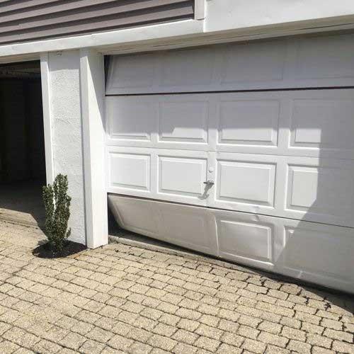 Broken-Garage-Door-Panel