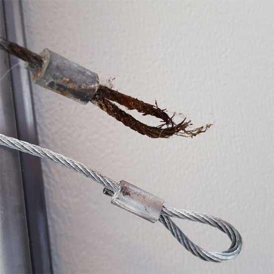 Rusted-Garage-Door-Cables