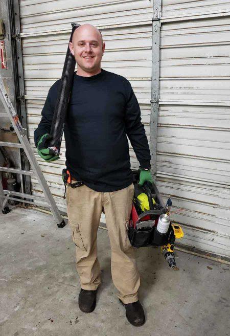 garage door repair technician